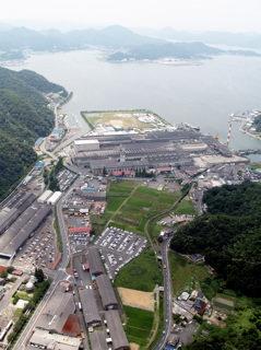 大波下の板硝子工場群(坂根正喜氏の航空写真)